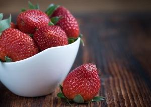 strawberries-frisch-ripe-sweet-89778
